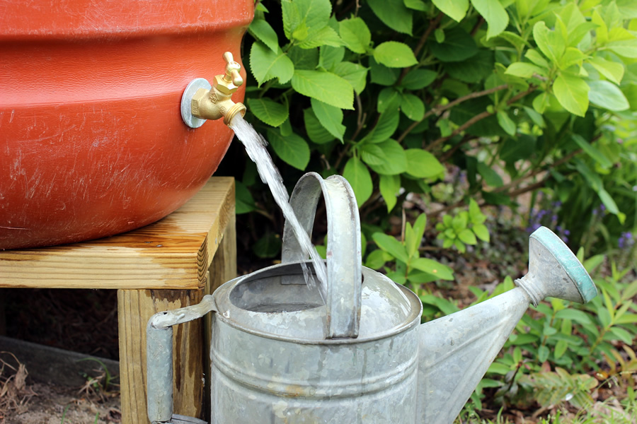 watering_can_with_barrel